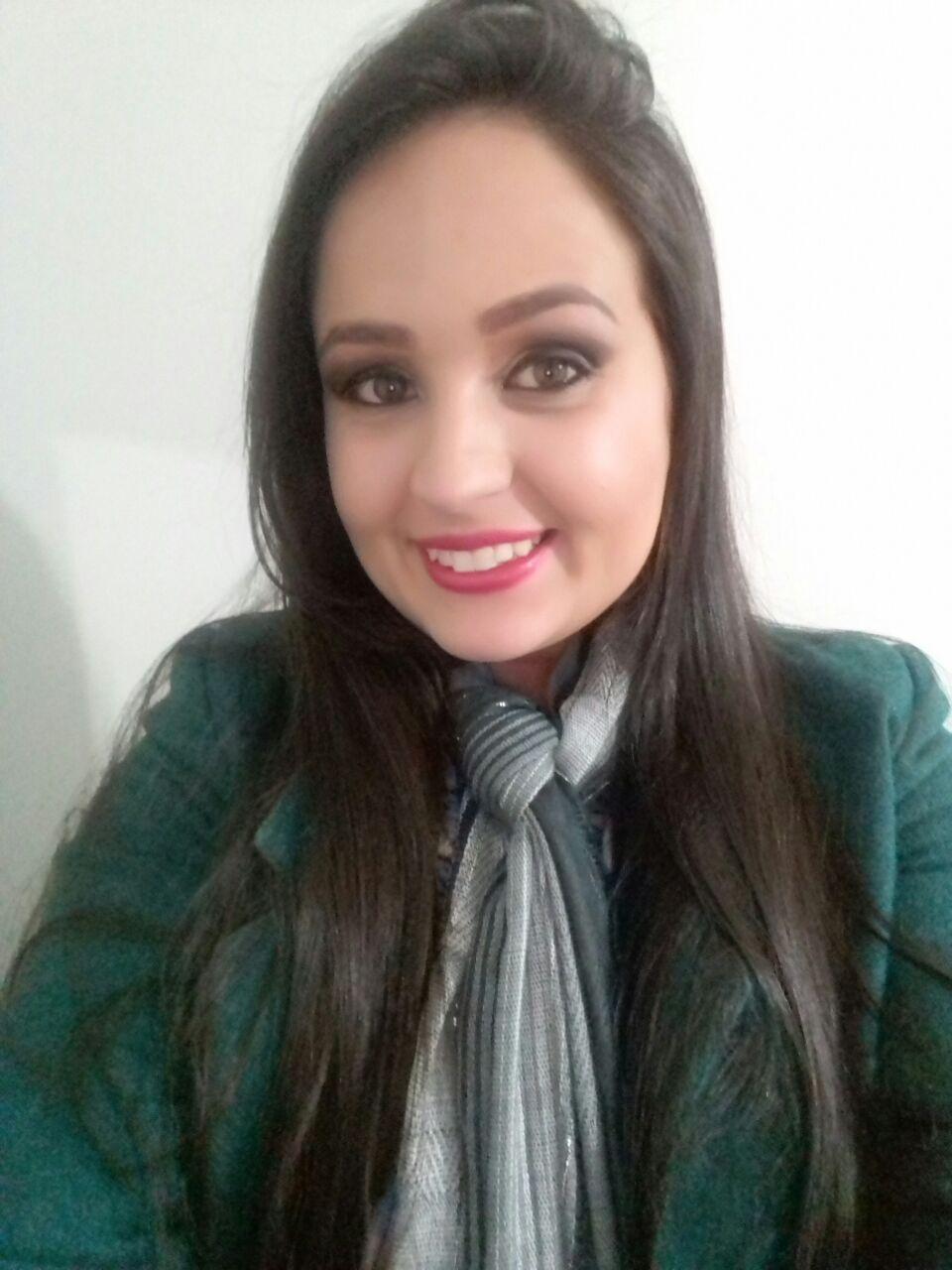 Fabiana Pontes-min